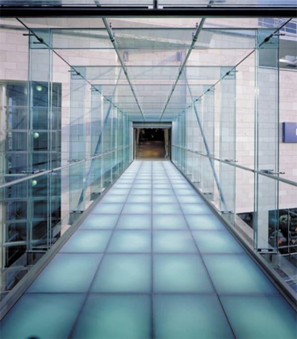 podłogi szklane
