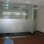 Szklane ściany działowe bezdrzwi