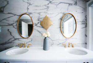 lustro łazienkowe, jak wybrać?
